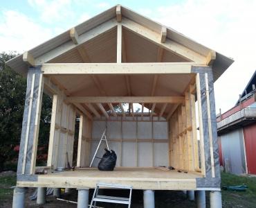Inför montering av glasparti till Attefallshus Modern loft 1